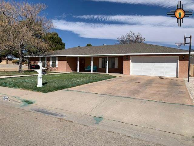 1706 W Centre Ave, Artesia, NM 88210 (MLS #20210958) :: Rafter Cross Realty
