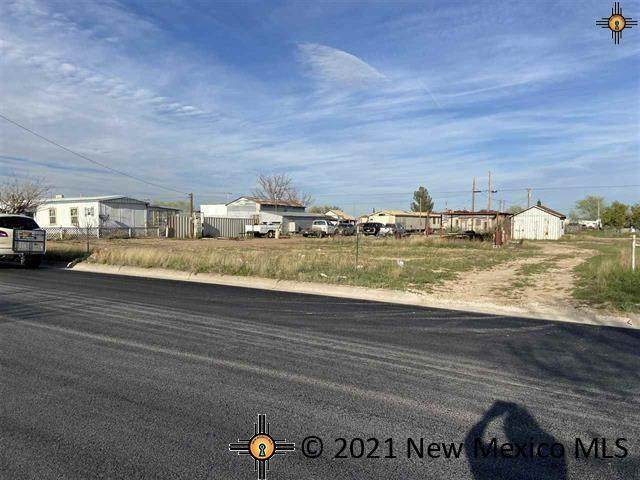 304 S Fifth Street, Jal, NM 88252 (MLS #20215352) :: The Bridges Team with Keller Williams Realty