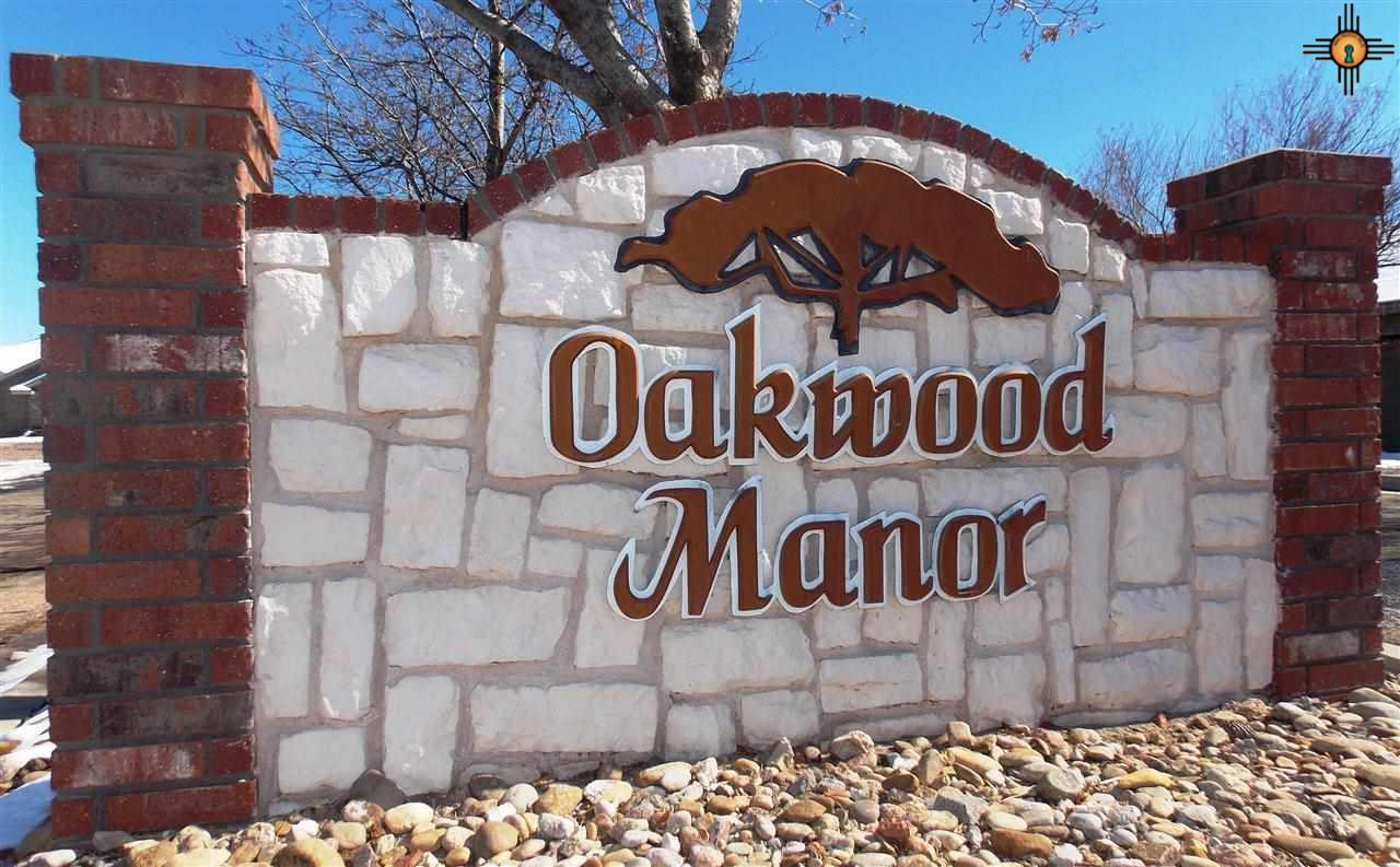 1204 Oakwood Circle - Photo 1
