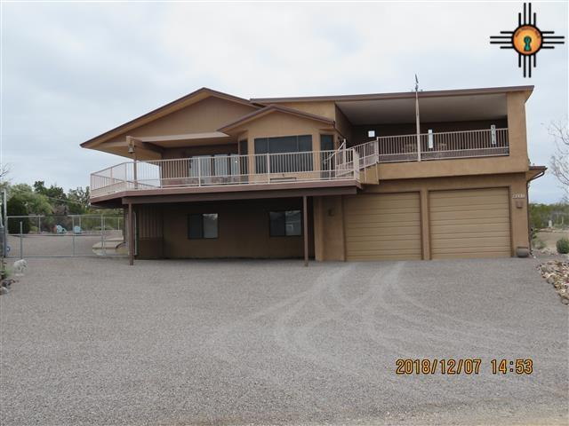 201 Northern Drive, Elephant Butte, NM 87935 (MLS #20185531) :: Rafter Cross Realty