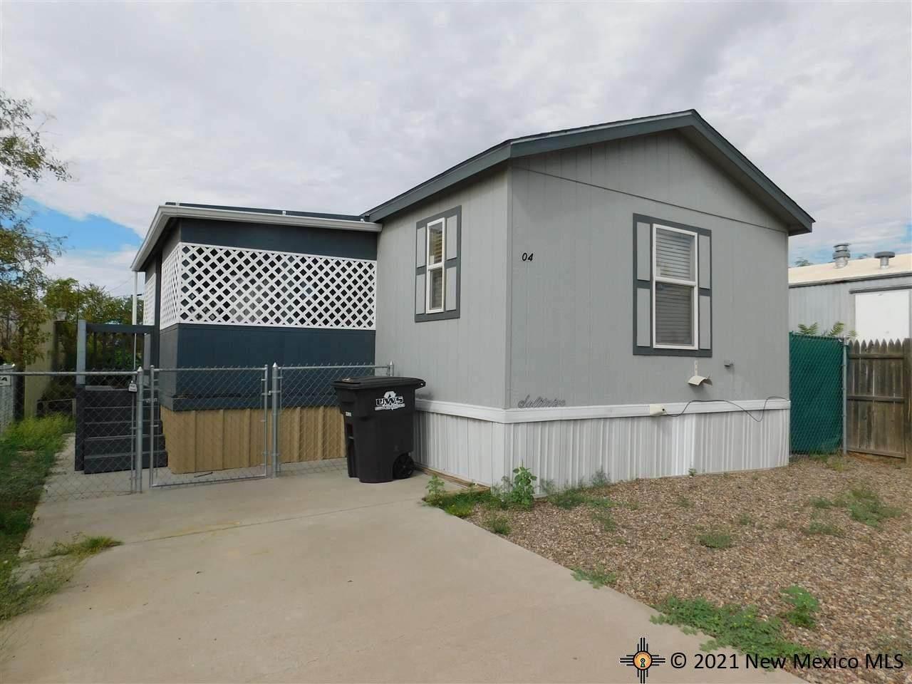 604 Acoma Court - Photo 1