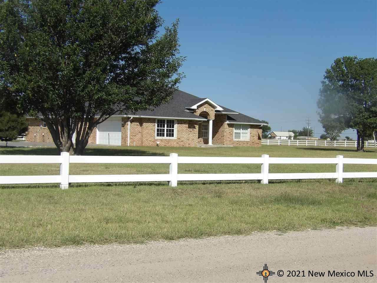 512 Rogers Rd - Photo 1
