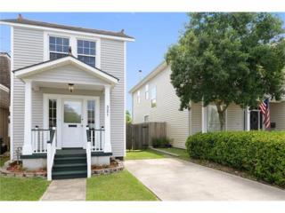 321 Papworth Avenue, Metairie, LA 70005 (MLS #2102254) :: Crescent City Living LLC