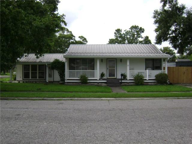 25 Karen Ct, Jefferson, LA 70121 (MLS #2213938) :: Crescent City Living LLC