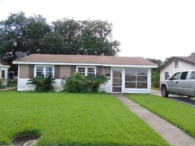 2712 Hero Drive, Gretna, LA 70053 (MLS #2228840) :: Crescent City Living LLC