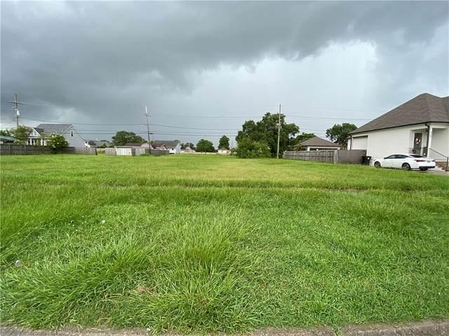 900 Perrin Drive, Arabi, LA 70032 (MLS #2306160) :: Turner Real Estate Group