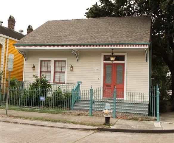 3303 Chestnut Street, New Orleans, LA 70115 (MLS #2309144) :: Reese & Co. Real Estate