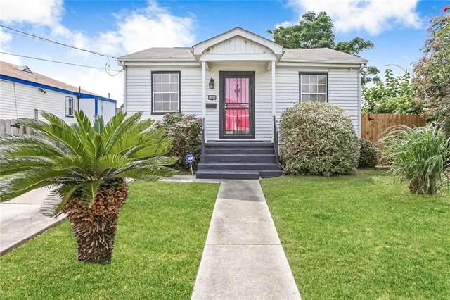 6084 Warrington Drive, New Orleans, LA 70122 (MLS #2310317) :: Satsuma Realtors