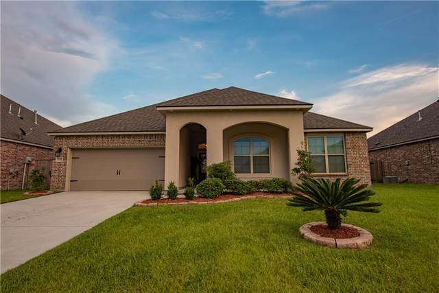 720 Lakeshore Village Drive, Slidell, LA 70461 (MLS #2310993) :: Nola Northshore Real Estate