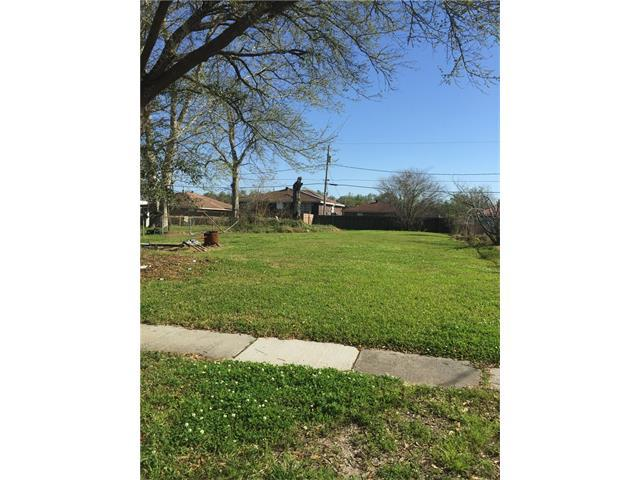 2225 Riverbend Drive, Violet, LA 70092 (MLS #2049531) :: Parkway Realty