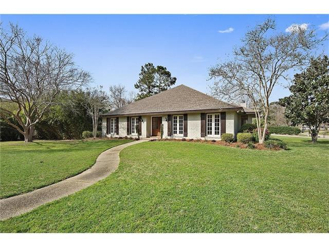 301 Magnolia Lane, Covington, LA 70433 (MLS #2093202) :: Turner Real Estate Group