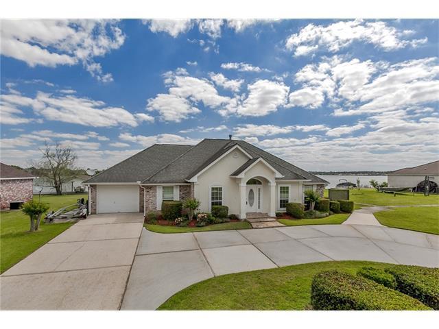 13477 Riverlake Drive, Covington, LA 70435 (MLS #2098636) :: Turner Real Estate Group