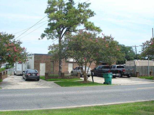 1701 8TH Street, Harvey, LA 70058 (MLS #2104633) :: Crescent City Living LLC