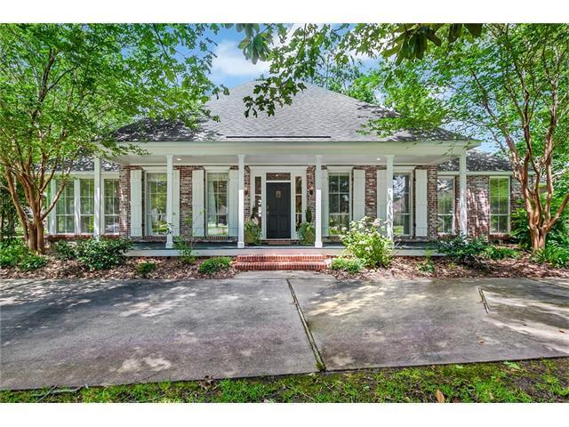 100 Shongaloo Lane, Mandeville, LA 70471 (MLS #2108185) :: Turner Real Estate Group