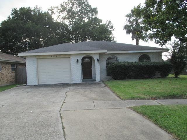 1824 N Starrett Road, Metairie, LA 70003 (MLS #2110693) :: The Robin Group of Keller Williams