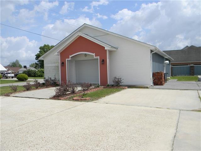 3035 306 Highway, Des Allemands, LA 70030 (MLS #2110734) :: Turner Real Estate Group