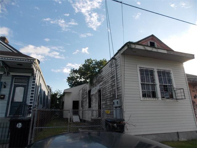 2822 1ST Street, New Orleans, LA 70113 (MLS #2111161) :: Crescent City Living LLC