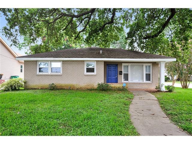 76 Willow Drive, Gretna, LA 70053 (MLS #2111276) :: Crescent City Living LLC