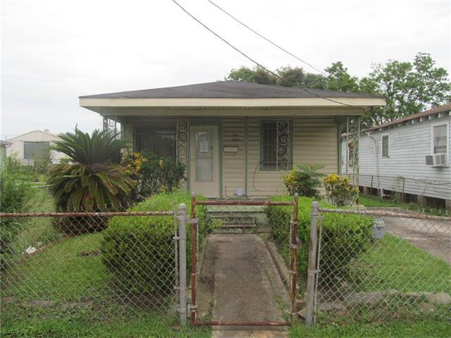 160 Sala Avenue, Westwego, LA 70094 (MLS #2111434) :: Crescent City Living LLC