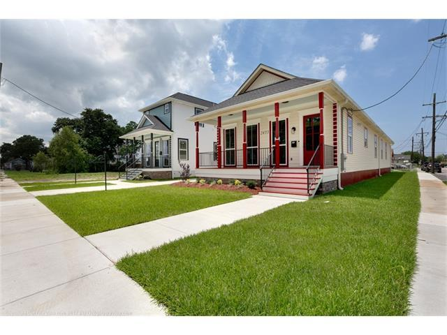 2433 N Johnson Street, New Orleans, LA 70117 (MLS #2111636) :: Crescent City Living LLC