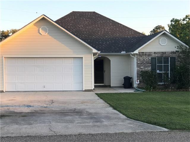 1041 E Northwood Street, Gonzales, LA 70737 (MLS #2113969) :: Turner Real Estate Group