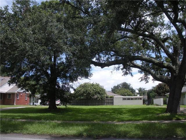 887 Robert E Lee Boulevard, New Orleans, LA 70124 (MLS #2114744) :: Turner Real Estate Group