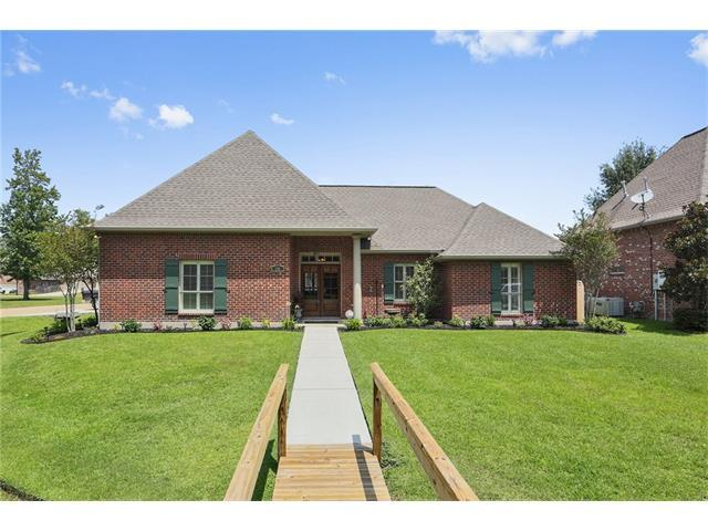 336 De Zaire Drive, Madisonville, LA 70447 (MLS #2115604) :: Turner Real Estate Group
