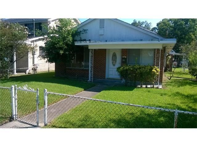 1000 Virgil Street, Gretna, LA 70053 (MLS #2118792) :: Crescent City Living LLC