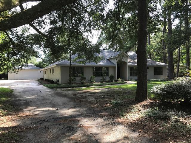 143 Country Club Drive, Covington, LA 70433 (MLS #2119864) :: The Robin Group of Keller Williams