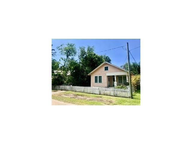 1940 Jefferson Street, Mandeville, LA 70448 (MLS #2119946) :: Amanda Miller Realty