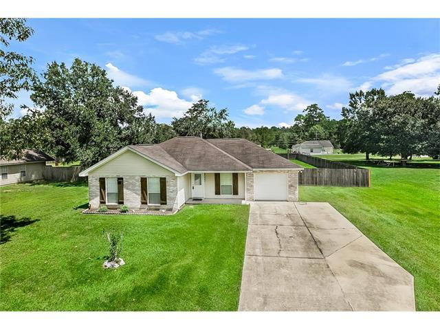 24669 Esquinance Street, Lacombe, LA 70445 (MLS #2120086) :: The Robin Group of Keller Williams