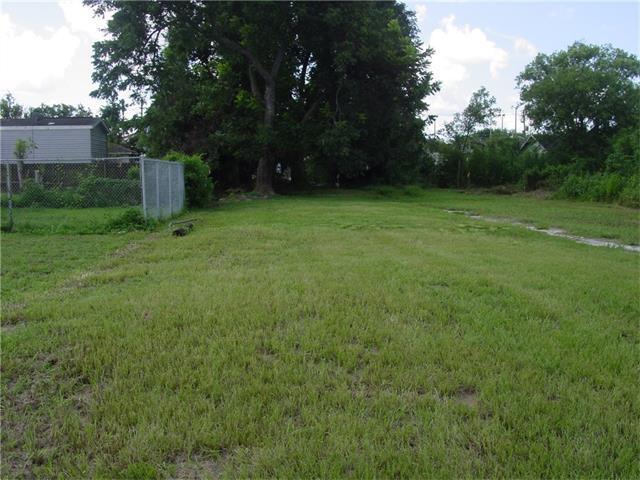 1526 Sere Street, New Orleans, LA 70122 (MLS #2120094) :: Crescent City Living LLC