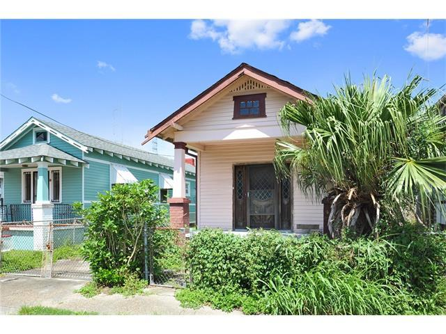 1424 Monroe Street, New Orleans, LA 70118 (MLS #2120151) :: Crescent City Living LLC