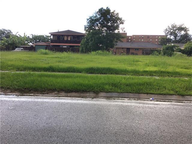 Camelot Drive, New Orleans, LA 70126 (MLS #2120607) :: Turner Real Estate Group