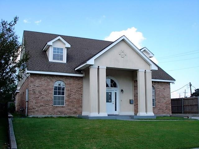 2249 Carol Sue Avenue, Gretna, LA 70056 (MLS #2125540) :: Crescent City Living LLC