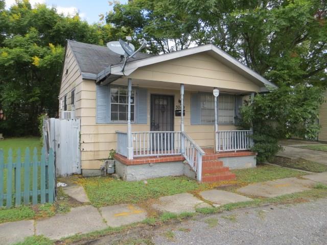 3049 N Derbigny Street, New Orleans, LA 70117 (MLS #2127323) :: Parkway Realty