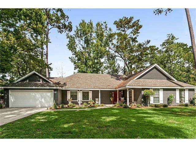 215 Pineland Drive, Mandeville, LA 70471 (MLS #2127741) :: Turner Real Estate Group