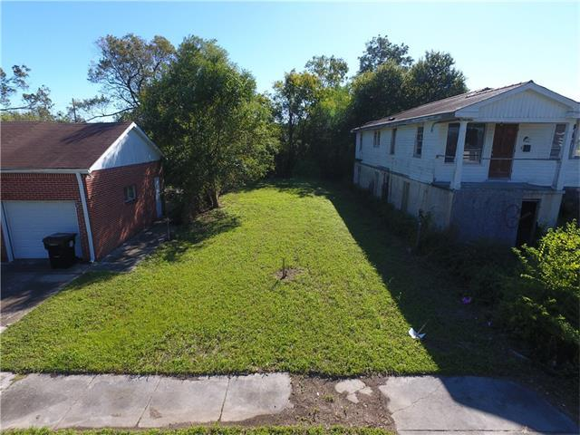 1423 Tricou Street, New Orleans, LA 70117 (MLS #2127925) :: The Robin Group of Keller Williams
