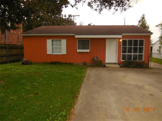 128 Anne Drive, Westwego, LA 70094 (MLS #2128420) :: Crescent City Living LLC