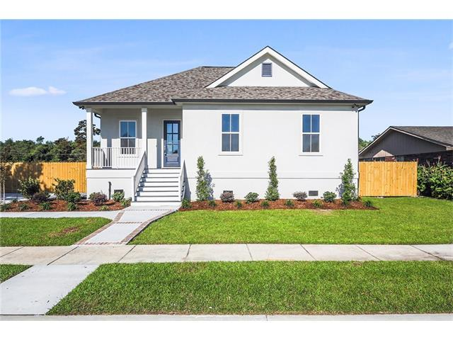 3840 Dominique Drive, Chalmette, LA 70043 (MLS #2128621) :: Parkway Realty