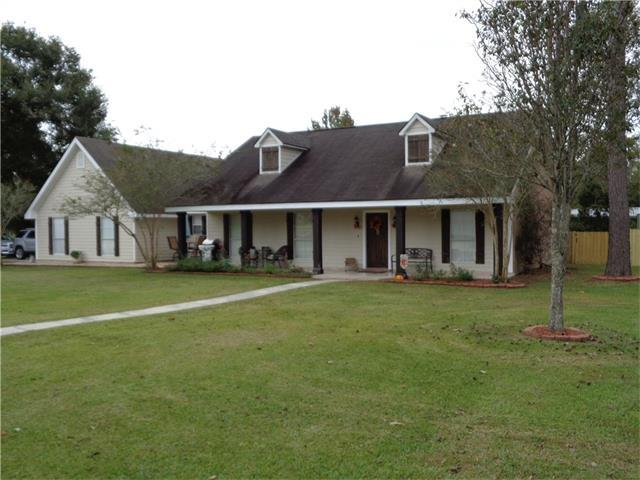 18300 Acadiana Drive, Ponchatoula, LA 70454 (MLS #2130536) :: Turner Real Estate Group