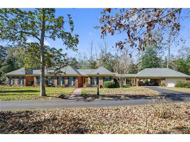 300 Live Oak Street, Mandeville, LA 70448 (MLS #2131043) :: Turner Real Estate Group