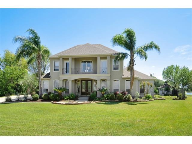 97 Natchez Trace Drive, Harvey, LA 70058 (MLS #2131172) :: Turner Real Estate Group
