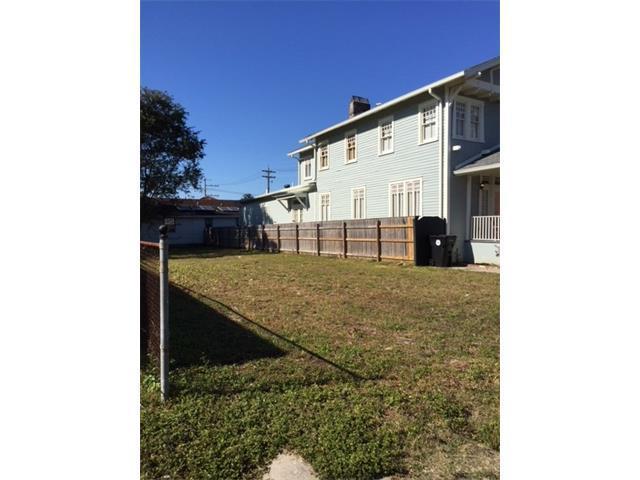 2828 Upperline Street, New Orleans, LA 70115 (MLS #2133459) :: Crescent City Living LLC