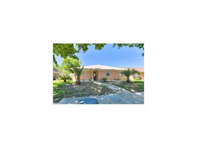 7030 Lake Barrington Drive, New Orleans, LA 70128 (MLS #2133701) :: Turner Real Estate Group