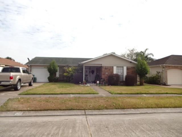 207 Vermillion Drive, Gretna, LA 70056 (MLS #2133913) :: Watermark Realty LLC