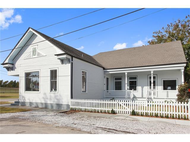 302 Delery Street, New Orleans, LA 70117 (MLS #2134026) :: Crescent City Living LLC