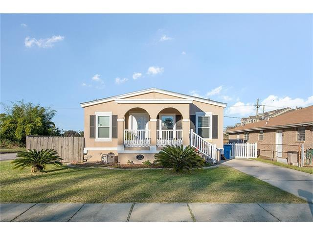 8401 Colonel Drive, Chalmette, LA 70043 (MLS #2134818) :: Turner Real Estate Group