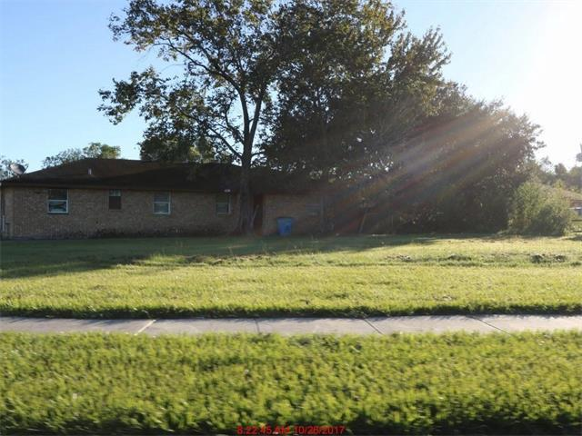 2715 Daniel Drive, Violet, LA 70092 (MLS #2134982) :: Parkway Realty