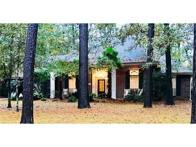 7014 Longvue Drive, Mandeville, LA 70448 (MLS #2135407) :: Crescent City Living LLC